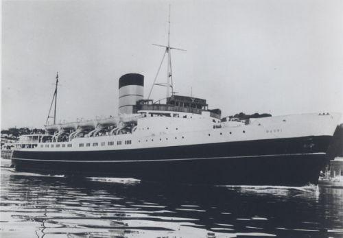 maori ship.jpg